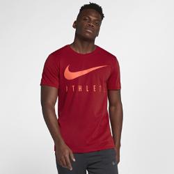 Мужская футболка Nike Swoosh AthleteМужская футболка Nike Swoosh Athlete из мягкой влагоотводящей ткани обеспечивает длительный комфорт каждый день.<br>