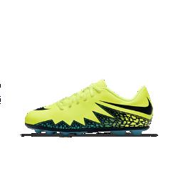 Футбольные бутсы для школьников для игры на твердом грунте Nike Jr. Hypervenom Phade (1Y–6Y)Футбольные бутсы для школьников для игры на твердом грунте Nike Jr. Hypervenom Phade с продуманным расположением резиновых шипов обеспечивают непревзойденное сцепление с поверхностью на полях с короткой травой. Верх из мягкого, похожего на кожу материала обеспечивает отличный контроль мяча во время игры.<br>