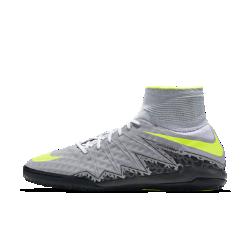 Футбольные бутсы для игры в зале/на поле Nike HypervenomX Proximo IIФутбольные бутсы для игры в зале/на поле Nike HypervenomX Proximo II с технологией Dynamic Fit в области голеностопа надежно фиксируют стопу для максимального контроля и скорости. Не оставляющая следов резиновая подметка обеспечивает превосходное сцепление при игре в зале.<br>