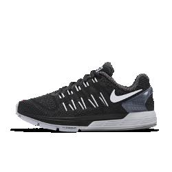 Женские беговые кроссовки Nike Air Zoom OdysseyЖенские беговые кроссовки Nike Air Zoom Odyssey обеспечивают мягкую и эффективную амортизацию и дополнительную стабилизацию для надежной поддержки при быстром беге.  Оптимальная амортизация  Вставки Nike Zoom Air в области пятки и передней части стопы обеспечивают упругую низкопрофильную амортизацию, идеальную для стремительного бега.  Дополнительная стабилизация  Подошва из пеноматериала тройной плотности с платформой Dynamic Support компенсируют пронацию, обеспечивая стабилизацию и поддержку стопы при переходе с пятки на носок.  Комфорт и поддержка  Воздухопроницаемый верх из материала Flymesh с нитями Flywire для комфортной поддержки. Благодаря улучшенной технологии плоские и широкие нити плотно облегают стопу и обеспечивают более плотную посадку.<br>