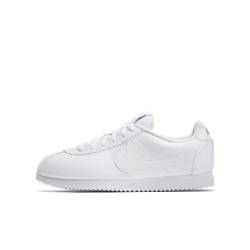 Кроссовки для школьников Nike CortezКроссовки для школьников Nike Cortez с верхом из кожи обеспечивают поддержку и невесомую амортизацию, которая сделала знаменитой оригинальную беговую модель.<br>