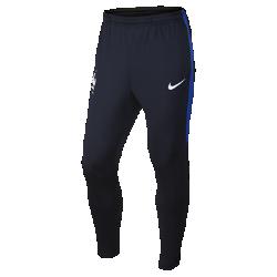 Мужские футбольные брюки FFF StrikeМужские футбольные брюки FFF Strike из влагоотводящей ткани с зауженным анатомическим кроем созданы для комфорта и свободы движений на поле.<br>
