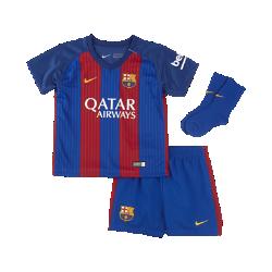 Футбольный комплект для малышей 2016/17 FC Barcelona Stadium HomeФутбольный комплект для малышей 2016/17 FC Barcelona Stadium Home включает джерси, шорты и носки из воздухопроницаемой ткани с символикой команды для игры на своем поле с максимальным комфортом.<br>