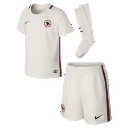 Футбольный комплект для дошкольников 2016/17 A.S. Roma Stadium Away (3–8 лет)Футбольный комплект для дошкольников 2016/17 A.S. Roma Stadium Away включает джерси, шорты и носки из воздухопроницаемой ткани с символикой команды для игры на выезде.<br>