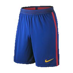 Мужские футбольные шорты 2016/17 FC Barcelona Vapor Match Home/ThirdМужские футбольные шорты 2016/17 FC Barcelona Vapor Match Home/Third — копия модели, в которой выступает «Барса». Технология Nike Aeroswift представляет собой сочетание влагоотводящей ткани и специальной конструкции, позволяя достичь максимальной скорости на поле.  Чувствуй легкость  Специальная ткань с технологией Nike Aeroswift быстро высыхает и остается максимально легкой на протяжении всей игры или тренировки.  Идеальная посадка  Пояс Flyvent обеспечивает надежную посадку, вентиляцию и комфорт, позволяя сконцентрироваться на игре.  Создано для скорости  Обновленная эластичная трикотажная конструкция повторяет каждое движение тела даже на высокой скорости.<br>