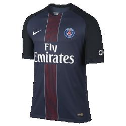 Мужское футбольное джерси 2016/17 Paris Saint-Germain Vapor Match HomeМужское футбольное джерси 2016/17 Paris Saint-Germain Vapor Match Home — реплика модели, в которой выступает ФК «ПСЖ». Технология Nike AeroSwift, объединяющая специальную влагоотводящую ткань и уникальную конструкцию, позволяет развивать максимальную скорость на поле.<br>