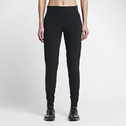 Женские тренировочные брюки Nike Bliss SkinnyЖенские тренировочные брюки Nike Bliss Skinny изготовлены из влагоотводящей ткани и плотно облегают фигуру, гарантируя максимальный комфорт.<br>