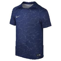 Игровая футболка для мальчиков школьного возраста Nike Flash CR7Игровая футболка для мальчиков школьного возраста Nike Flash CR7 из дышащей ткани обеспечивает оптимальную вентиляцию во время игры. Принт Lava напоминает о вулканическомострове, на котором родился один из величайших игроков.<br>