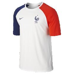 Мужская футболка FFF MatchМужская футболка FFF Match зготовлена из мягкой хлопковой ткани для повседневного комфорта и украшена символикой клуба, которая продемонстрирует твою любовь к команде.<br>