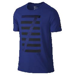 Мужская футболка Nike Ronaldo LogoМужская футболка Nike Ronaldo Logo с фирменной графикой на мягкой влагоотводящей ткани обеспечивает длительный комфорт.<br>