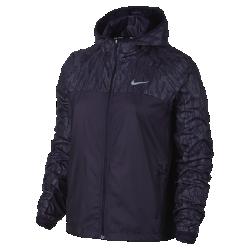 Женская беговая куртка Nike Shield FlashЖенская беговая куртка Nike Shield Flash из легкой и прочной ткани рипстоп со светоотражающими деталями делает тебя заметнее в темное время суток.  Защита в сырую погоду  Прочная ткань Nike Shield обеспечивает невесомую защиту от дождя и ветра.  Зональная воздухопроницаемость  Разрез в нижней кромке сзади обеспечивает оптимальную вентиляцию и предотвращает перегрев.  Светоотражающие элементы и защита  Светоотражающий принт на капюшоне, плечах и в верхней части спины делает тебя заметнее во время пробежек в темное время суток.<br>