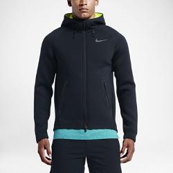 Мужская куртка для тренинга Nike Therma-Sphere MaxУниверсальная мужская куртка для тренинга Nike Therma-Sphere Max обеспечивает комфорт и защиту от холода во время интенсивных тренировок при любых погодных условиях.<br>