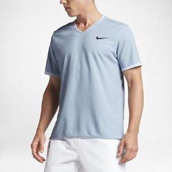 Мужская теннисная футболка с коротким рукавом NikeCourt Dry Roger FedererМужская теннисная футболка с коротким рукавом NikeCourt Dry Roger Federer из влагоотводящей ткани с лазерной перфорацией отводит влагу от кожи и обеспечивает комфорт во времяигры.<br>