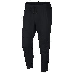 Мужские брюки Nike F.C.Мужские брюки Nike F.C. — новое исполнение легендарной модели для футбольного тренинга из гладкой легкой ткани с зауженным кроем.<br>