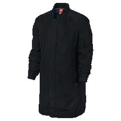Мужская куртка Nike F.C.Мужская куртка Nike F.C. создана по мотивам легендарной джерси Роналдо, которую он носил в 1998 году: облегающий крой, специальное покрытие для защиты от непогоды и слово«победа» по-португальски на внутренней стороне.<br>