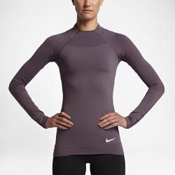 Женская футболка для тренинга с длинным рукавом Nike Pro HyperWarmЖенская футболка для тренинга с длинным рукавом Nike Pro HyperWarm из влагоотводящей ткани идеально подходит для тренировок в холодную погоду благодаря вентиляции и защите от холода.<br>
