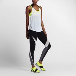 Женская майка для тренинга NikeЖенская майка для тренинга Nike из невероятно легкой влагоотводящей ткани со свободной посадкой обеспечивает функциональную воздухопроницаемость.  ЛЕГКИЙ КОМФОРТ  Свободный крой не сковывает движения, обеспечивая легкость и комфорт.  ВЕНТИЛЯЦИЯ И ФУНКЦИОНАЛЬНОСТЬ  Дизайн с открытой Т-образной спиной и бретелью из сетки обеспечивает оптимальную прохладу.  КОМФОРТ  Технология Dri-FIT обеспечивает превосходную воздухопроницаемость и комфорт, выводя влагу на поверхность ткани и позволяя коже дышать.<br>