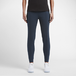 Женские брюки Nike Sportswear Tech FleeceСтильные и комфортные женские брюки Nike Sportswear Tech Fleece с облегающим кроем обеспечивают защиту от холода без утяжеления.<br>