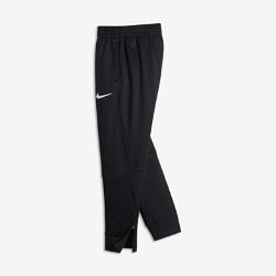 Брюки для мальчиков школьного возраста Nike Therma LeBronБрюки для мальчиков школьного возраста Nike Therma LeBron с фирменными элементами на термоткани и водоотталкивающими вставками защищают от холода и влаги во время игры наоткрытой площадке.<br>