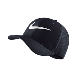 Бейсболка Nike Vapor Classic 99 SFБейсболка Nike Vapor Classic 99 SF с легкой конструкцией из перфорированных панелей обеспечивает превосходную вентиляцию.<br>