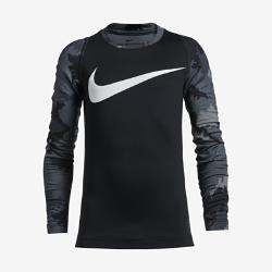 Футболка для тренинга с длинным рукавом для мальчиков школьного возраста Nike Pro HyperWarmФутболка для тренинга с длинным рукавом для мальчиков школьного возраста Nike Pro HyperWarm с технологией Dri-FIT обеспечивает воздухопроницаемость, комфорт и функциональную защиту во время тренировок в холодную погоду.  Тепло и воздухопроницаемость  Вставка на спине из эластичного трикотажа обеспечивает вентиляцию, защиту от холода и естественную свободу движений, создавая ощущение комфорта на протяжении всей тренировки.  Защита от холода и влаги  Ткань Nike Pro HyperWarm с технологией Dri-FIT защищает от холода, выводя влагу на поверхность ткани и позволяя коже дышать.  Свобода движений  Вставки в области подмышек обеспечивают естественную свободу движений во время занятий любой интенсивности.<br>