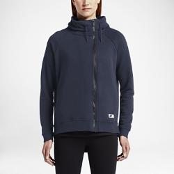 Женский кейп Nike Sportswear ModernЖенский кейп Nike Sportswear Modern из ткани френч терри с асимметричной молнией и большим капюшоном обеспечивает абсолютный комфорт и защиту от холода на весь день.<br>
