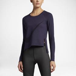 Женская футболка для тренинга с длинным рукавом Nike Sphere-DryЖенская футболка для тренинга с длинным рукавом Nike Sphere-Dry с обновленным силуэтом, рукавами покроя реглан и асимметричным боковым разрезом позволяет легко сочетатьэту модель с другой одеждой для тренинга.<br>