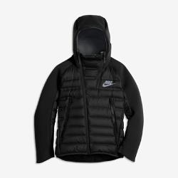 Куртка для мальчиков школьного возраста Nike Sportswear Tech Fleece AeroloftКуртка для мальчиков школьного возраста Nike Sportswear Tech Fleece Aeroloft сочетает две инновационные технологии для тепла, легкости и комфорта в холодную погоду.  Тепло и воздухопроницаемость  Технология Nike Aeroloft, сочетающая невесомый наполнитель для защиты от холода и лазерную перфорацию для вентиляции, сохраняет тепло, не допуская перегрева.  Легкость и тепло  Трехслойная флисовая ткань Nike Tech Fleece на капюшоне, рукавах и задней кокетке не только защищает от холода и обеспечивает комфорт, но и помогает создать стильный образ.  Защита от влаги  Защита Водоотталкивающая ткань, удлиненная сзади нижняя кромка и «водолазный» капюшон из нескольких панелей обеспечивают абсолютную защиту от холода и влаги.<br>