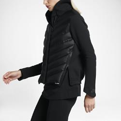 Женская куртка с пуховым наполнителем Nike Sportswear Tech Fleece AeroloftВдохновленная классической летной курткой, женская куртка с пуховым наполнителем Nike Sportswear Tech Fleece Aeroloft с дышащим наполнителем, технологичным флисом и водоотталкивающим покрытием прекрасно защищает от холода.  Воздухопроницаемая теплоизоляция  Технология Nike Aeroloft&amp;#8212;это сочетание ультралегкого наполнителя из гусиного пуха плотностью 800 FP и зон вентиляции для тепла без перегрева в холодную погоду.  Легкость и тепло  Рукава и капюшон из уникального мягкого термоматериала Nike Tech Fleece удерживают тепло, обеспечивая легкость и комфорт.  Защита от дождя  Внешний слой с прочным водоотталкивающим покрытием DWR и пуховый наполнитель защищают от дождя и обеспечивают комфорт.<br>