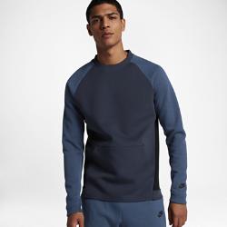 Мужская толстовка Nike Sportswear Tech Fleece CrewМужская толстовка Nike Sportswear Tech Fleece Crew из легкого флиса для надежной защиты от холода позволяет создать продуманный минималистичный образ благодаря современному, плотно прилегающему крою и укрепленной кромке.<br>