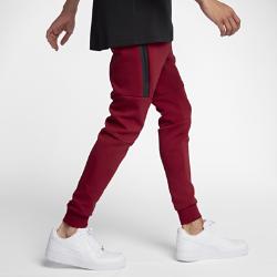 Мужские джоггеры Nike Sportswear Tech FleeceМужские джоггеры Nike Sportswear Tech Fleece из легкой дышащей ткани с практичным функциональным дизайном, сильно зауженным кроем и несколькими карманами обеспечивают свободу движений.<br>
