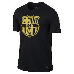 Мужская футболка FC Barcelona CrestМужская футболка FC Barcelona Crest с клубной графикой на мягкой хлопковой ткани отдает дань уважения любимой команде.<br>