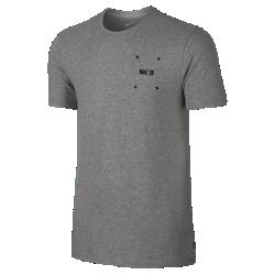 Мужская футболка Nike SB PhillipsМужская футболка Nike SB Phillips изготовлена из чистого хлопка, отличающего прочностью и мягкостью для комфорта каждый день.<br>