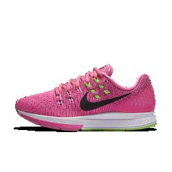 Женские беговые кроссовки Nike Air Zoom Structure 19Женские беговые кроссовки Nike Air Zoom Structure 19 имеют множество функциональных элементов — от верха Flymesh до подошвы из пеноматериала тройной плотности. Все это создает оптимальную поддержку и амортизацию, а также способствует плавным движениям стопы даже при быстром беге.  Оптимальная амортизация  Вставка Nike Zoom Air в передней части стопы обеспечивает низкопрофильную амортизацию, которая придает импульс для следующего шага и идеально подходит для быстрого бега.  Дополнительная стабилизация  Подошва с системой Dynamic Support из пеноматериала тройной плотности компенсирует пронацию за счет более жесткой пены, накладки в средней части стопы изнутри и платформы из пены в области пятки, что обеспечивает поддержку стопы при переходе с пятки на носок.  Комфорт и поддержка  Верх из тканого материала Flymesh обеспечивает воздухопроницаемость и поддержку там, где это необходимо, благодаря дополнительным нитям, которые создают прочную конструкцию без снижения вентиляционных качеств. Плоские и широкие нити Flywire объединены со шнуровкой и плотно прилегают к средней части стопы для идеальной посадки и надежной поддержки.<br>