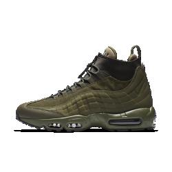 Мужские ботинки Nike Air Max 95 SneakerBootМужские ботинки Nike Air Max 95 SneakerBoot представляют собой новый вариант легендарной беговой модели 90-х и предлагают комфорт в холодную погоду, сочетая в себе теплые водонепроницаемые материалы, агрессивное сцепление и светоотражающие элементы, делающие тебя заметнее в темное время суток.  Защита от непогоды  Водостойкий текстиль и носок из водонепроницаемой кожи помогают сохранить ноги сухими. Внутренняя вставка из неопрена с теплоотражающей подкладкой, охватывающаяногу, обеспечивает тепло.  Заметность  Светоотражающие элементы на пятке делают тебя заметнее в темное время суток.  Сцепление с поверхностью  Подошва из липкой резины справляется со скользкими, влажными поверхностями, обеспечивая надежное сцепление.<br>
