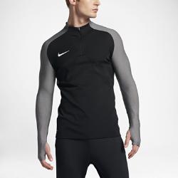 Мужская футболка для футбольного тренинга с длинным рукавом и молнией 1/4 Nike Strike AeroswiftНевероятно легкая мужская футболка для футбольного тренинга с длинным рукавом и молнией 1/4 Nike Strike Aeroswift с технологией Aeroswift и продуманным инновационным кроем, разработанным специально для игры в футбол, позволяет тренироваться с комфортом на любой скорости.<br>
