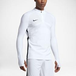 Мужская футболка для футбольного тренинга с длинным рукавом и молнией 1/4 Nike Strike AeroswiftНевероятно легкая мужская футболка для футбольного тренинга с длинным рукавом и молнией 1/4 Nike Strike Aeroswift с технологией Aeroswift и продуманным инновационным кроем, разработанным специально для игры в футбол, позволяет тренироваться с комфортом на любой скорости.  Легкость и комфорт  Специальная ткань с технологией Nike Aeroswift быстро высыхает и остается максимально легкой на протяжении всей игры или тренировки.  Идеальная посадка  Эластичный трикотажный материал и рукава покроя реглан обеспечивают плотную посадку и естественную свободу движений.  Скорость  Рукава из рубчатой ткани, низкая горловина и эластичный открытый кант повторяют движения тела, помогая развить высокую скорость и сконцентрироваться на игре.<br>