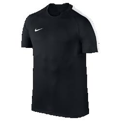 Мужская игровая футболка с коротким рукавом Nike Dry SquadМужская игровая футболка с коротким рукавом Nike Dry Squad из влагоотводящей ткани со вставкой из сетки на спине обеспечивает абсолютный комфорт во время соревнований.<br>