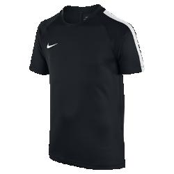 Игровая футболка для школьников Nike Dry Squad (XS–XL)Игровая футболка для школьников Nike Dry Squad из влагоотводящей ткани с сетчатой вставкой на спине обеспечивает охлаждение и комфорт на поле и за его пределами.<br>