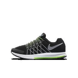 Детские беговые кроссовки Nike Air Zoom Pegasus 32 FlashДетские беговые кроссовки Nike Air Zoom Pegasus 32 Flash сохраняют ноги сухими в дождливую погоду благодаря водоотталкивающему верху, а светоотражающие элементы обеспечиваютбезопасность в темное время суток. Вставка Nike Zoom Air гарантирует оптимальную амортизацию, а нити Flywire обеспечивают невесомую поддержку для развития максимальной скорости во время бега.<br>