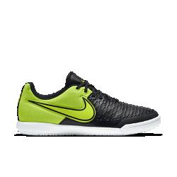 Футбольные бутсы для игры в зале/на поле Nike MagistaX ProСозданные для игроков в мини-футбол футбольные бутсы для игры в зале/на поле Nike MagistaX Pro с верхом из текстурированной синтетической кожи и асимметричной шнуровкой обеспечивают невероятный контроль и точность удара.<br>