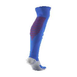 Футбольные носки 2016/17 Atletico de Madrid Stadium Home/AwayФутбольные носки 2016/17 Atletico de Madrid Stadium Home/Away из влагоотводящей ткани с компрессией в области свода стопы обеспечивают функциональный комфорт и поддержку.<br>