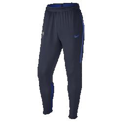 Мужские футбольные брюки FC Barcelona Dry StrikeМужские футбольные брюки FC Barcelona Dry Strike обеспечивают комфорт и свободу движений на поле.<br>