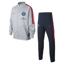Футбольный комплект для разминки для школьников Paris Saint-Germain SquadФутбольный комплект для разминки для школьников Paris Saint-Germain Squad включает куртку и облегающие брюки из влагоотводящей ткани для абсолютного комфорта на поле и за егопределами.<br>