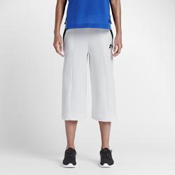 Женские капри Nike Sportswear Tech FleeceЖенские капри Nike Sportswear Tech Fleece созданы с использованием двух инноваций: технологичного флиса и специального трикотажа для невесомого комфорта на весь день и естественной посадки. Свободный крой штанин и длина до щиколотки создают стильный образ.<br>