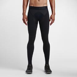 Мужские тайтсы для тренинга Nike Pro HyperrecoveryМужские тайтсы для тренинга Nike Pro Hyperrecovery с продуманной компрессионной конструкцией помогают мышцам восстановиться после напряженных матчей и интенсивных тренировок.  Компрессия  Силиконовые вставки обеспечивают ступенчатую компрессию, уменьшая отечность мышц после физической нагрузки.  Свобода движений  Легкая эластичная ткань обеспечивает свободу движений при выполнении заминки после матча.  Надежная посадка  Уникальная конструкция в области голеностопа фиксирует тайтсы и обеспечивает максимальную компрессию.<br>