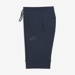Шорты для мальчиков школьного возраста Nike Sportswear Tech FleeceШорты для мальчиков школьного возраста Nike Sportswear Tech Fleece с современным облегающим силуэтом выполнены из инновационной легкой ткани, сохраняющей тепло.<br>