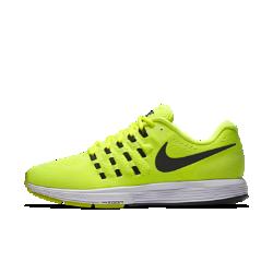 Мужские беговые кроссовки Nike Air Zoom Vomero 11Мужские беговые кроссовки Nike Air Zoom Vomero 11 — самая удобная в настоящее время версия модели. Кроссовки изготовлены из более мягких материалов, чем предшествующие модели, но при этом по-прежнему обеспечивают мягкую амортизацию на любой скорости.  Потрясающая мягкость  Мягкий пеноматериал обеспечивает длительную амортизацию. Чтобы обеспечить более плавность движений, для подошвы в области пятки выбран более твердый пеноматериал, а для передней части стопы — более мягкий.  Мгновенная амортизация  Вставки Nike Zoom Air в области пятки и передней части стопы обеспечивают легкость и мгновенную амортизацию, идеальную для стремительного бега. В области пятки внутри обуви добавлена мягкая вставка, которая обеспечивает комфорт и мягкую амортизацию.  Улучшенная посадка  Новая конструкция Flymesh улучшает посадку в передней части стопы, а также обеспечивает вентиляцию и необходимую поддержку. Бортик из более мягких материалов обеспечивает невероятный комфорт, а язычок, выполненный из пеноматериала, позволяет ослабить давление шнуровки.<br>