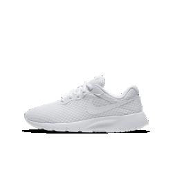 Кроссовки для школьников Nike Tanjun (3.5Y–7Y)Легкий верх и амортизирующая подошва кроссовок для школьников Nike Tanjun обеспечивают воздухопроницаемость и гибкость.<br>