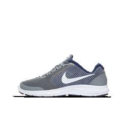 Беговые кроссовки для школьников Nike Revolution 3Беговые кроссовки для школьников Nike Revolution 3 с легким верхом из сетки и бесшовными кожаными накладками для воздухопроницаемости и поддержки.Резиновая подошва типа cupsole обеспечивает низкопрофильную поддержку, отличное сцепление и комфорт.<br>